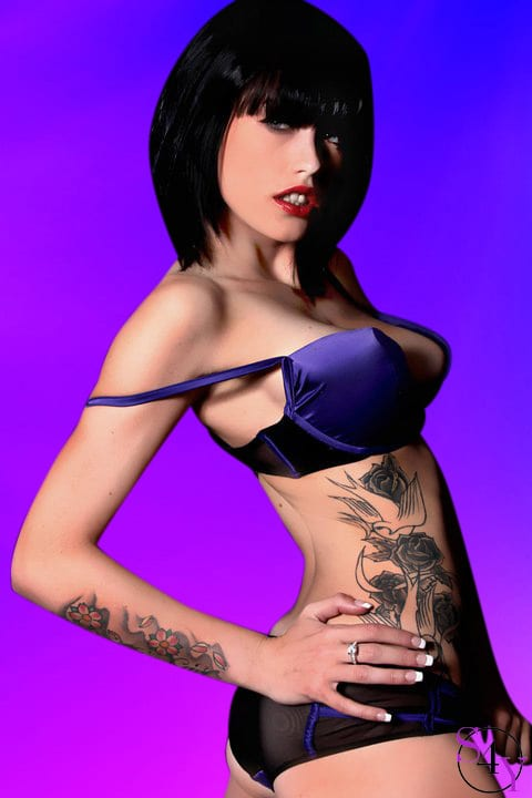 sexy women with tattoos
